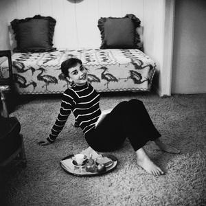 Audrey Hepburn 1953© 2000 Mark Shaw - Image 0033_2615