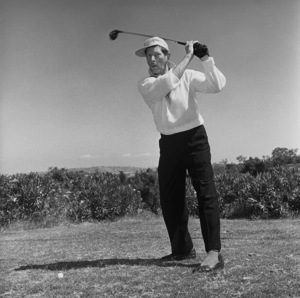 Danny Kaye golfing at Hillcrest Country Club1958 © 1978 Sid Avery - Image 0035_0527
