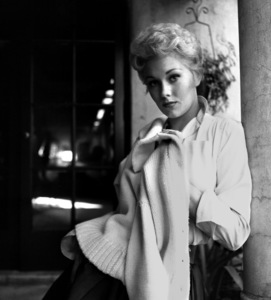 Kim Novak with sweater over shoulders1954 © 1978 Bob Willoughby - Image 0036_0406