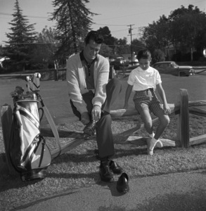 James Garner golfing with his step-daughter Kimberly circa 1958 © 1978 David Sutton - Image 0037_0816