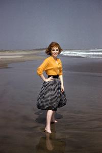 Gina Lollobrigida on the beach in Acapulco, Mexico1959 © 1978 Sid Avery - Image 0041_0460