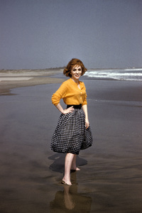Gina Lollobrigida on the beach in Acapulco, Mexico1959 © 1978 Sid Avery - Image 0041_0460