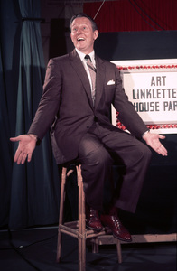 """Art Linkletter on the """"House Party"""" setOctober 20, 1954 © 1978 Sid Avery - Image 0046_1196"""