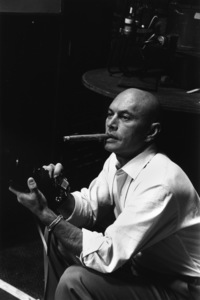 Yul Brynner with camera1965 © 1978 David Sutton - Image 0056_1026