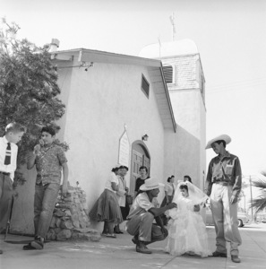 """Mexican Braceros (""""Helping Hands from Mexico"""" - The Saturday Evening Post - August 10, 1957 - volume 230, number 6)1957© 1978 Sid Avery - Image 0063_0032"""