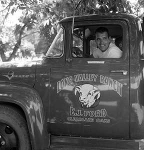 Tennessee Ernie Ford on his ranch in Clear Lake, California1957 © 1978 Sid Avery - Image 0064_0092