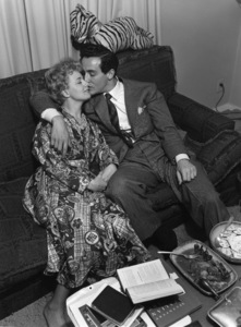 Shelley Winters being kissed by husband Vittorio Gassman 1952 / Hollywood, CA © 1978 Sid Avery - Image 0065_0044