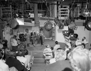 """I Love Lucy""Desi Arnaz, Lucille Ball, William Frawley, Vivian Vance1953© 1978 Sid Avery - Image 0069_0006"