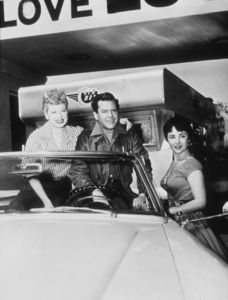 """Lucille Ball, Desi Arnaz and Elizabeth Taylor in """"The Long, Long Trailer""""1954 MGMMPTV - Image 0069_0821"""