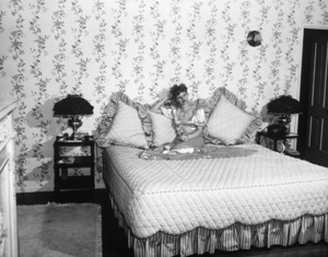 Lucille Ball at home1942 - Image 0069_0834