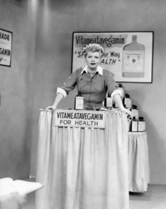 """Lucille Ball in """"I Love Lucy"""" (Episode: Lucy Does a TV Commercial"""")1952** I.V / M.T. - Image 0069_2191"""