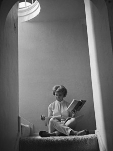 Joanne Woodward studying her lines at home in Beverly Hills1958© 1978 Sid Avery - Image 0070_0041