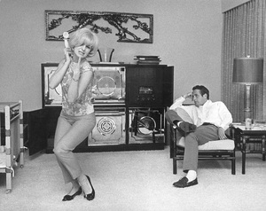 Paul Newman and Joanne Woodward at home1963© 1978 David Sutton - Image 0070_2233