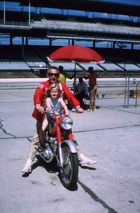 "Paul Newman with daughterEisabeth, on location atIndianapolis Motor Speedwayfor ""Winning."" © 1978 David Sutton - Image 0070_2284"