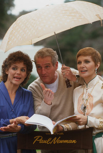 """Paul Newman directing Valerie Harper and Joanne Woodward in """"The Shadow Box,"""" 1980. © 1980 Gunther - Image 0070_2299"""