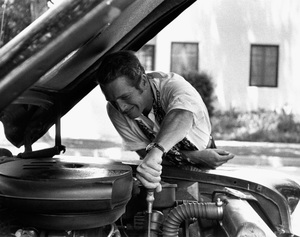 Paul Newman working on a Chevrolet Bel Air1956 © 1978 Sanford Roth / AMPAS - Image 0070_2380