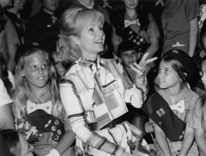 Debbie Reynolds with Girl Scouts8/17/70 - Image 0071_1090