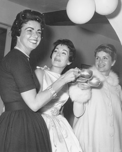 Debbie Reynoldsat her baby shower before the birth of her daughter Carrie Fisher 1956Photo by Joe Shere  - Image 0071_1100