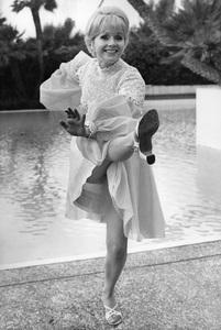 Debbie Reynolds at home1972 © 1978 Gunther - Image 0071_1105