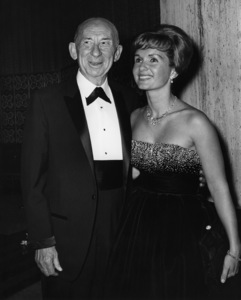Roscoe Ates and Debbie Reynolds at the Thalians Party at the Beverly Hilton Hotel circa 1960 © 1978 Joe Shere - Image 0071_1119