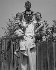 Johnny Carson at home with his sons Richard, Christopher and Cory 1954Photo by Gabi Rona - Image 0072_0203