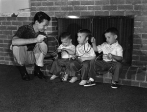 Johnny Carson at home with his sons Richard, Christopher and Cory 1954Photo by Gabi Rona - Image 0072_0208