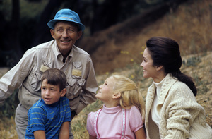 Bing Crosby with wife Kathryn Grant 1977© 1978 Gunther - Image 0073_2032