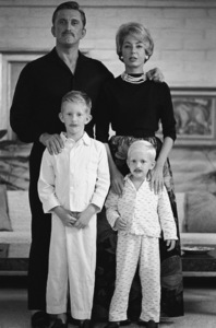 Kirk Douglas with his wife Anne, and sons, Peter and Eric, at home in Beverly Hills, CA1962© 1986 Sid Avery - Image 0075_0002