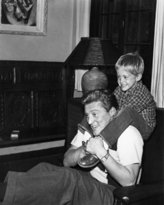 Kirk Douglas with son Michael Douglas1950 - Image 0075_0008