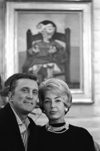 Kirk Douglas and his wife Anne at home in Beverly Hills, CA1962© 1978 Sid Avery - Image 0075_0083