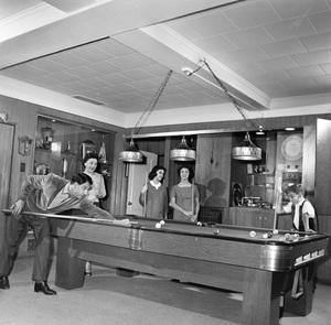 Danny, Rosemary, Teresa, Marlo and Tony Thomas at home1959 © 1978 Sid Avery - Image 0076_0383
