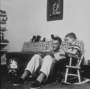 Stanley Kramer and his son at home in Los Angeles, CA, 1954. © 1978 Sid Avery MPTV - Image 0077_0500