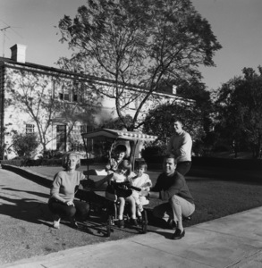 Jackie Cooper with his wife Barbara, and children, Russell, Julie, Cristina and John Anthony at home in Brentwood, CA 1961 © 1978 Sid Avery - Image 0078_0020