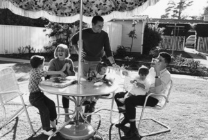 Jackie Cooper with his wife Barbara, and children, Russell, Julie, Cristina and John Anthony at home in Brentwood, CA 1961 © 1978 Sid Avery - Image 0078_0021