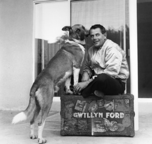 Glenn Ford at home with his pet dog1958 © 1978 Sid Avery - Image 0079_0012