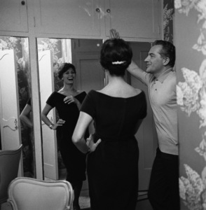 Sophia Loren and Rossano Brazzi at home in Beverly Hills, CA1958© 1978 Sid Avery - Image 0080_0003