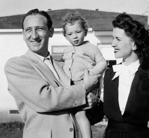 Photographer Sid Avery, wife Diana and daughter Sandra1946 - Image 0090_0119