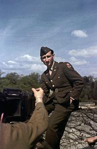 Sid Avery 1st Lieutenant / Paris, France1945 - Image 0090_1054