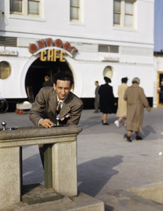 Sid Avery at Pacific Ocean Park1940 - Image 0090_1069