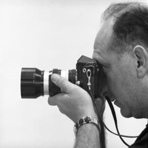 Sid Avery with his 35mm Nikon F camera1963© 1978 Sid Avery - Image 0090_1115