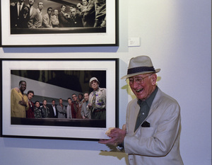 "Photographer Sid Avery at ""Tinsel: Stars That Shine"" opening at Apex Fine Art in Los Angeles, California 10-19-2001 © 2001 Bill Knapp - Image 0090_1500"