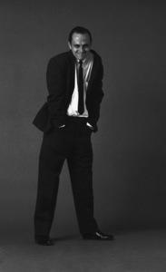 Bob Newhart enacting his drunk routine1961© 1986 Sid Avery - Image 0092_0001