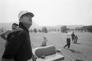 Bob Newhart golfing with Tennessee Ernie Ford1961 © 1978 Sid Avery - Image 0092_0680
