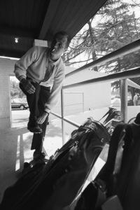 Bob Newhart golfing1961© 1978 Sid Avery - Image 0092_1406