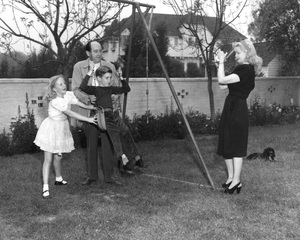 Jerry Giesler (famous attorney for the stars) with wife and children, 1940s, I.V. - Image 0158_0003