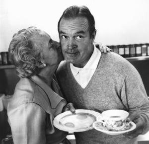 Bob Hope at home with mother-in-law1955 © 1978 Bob WilloughbyMPTV - Image 0173_0464