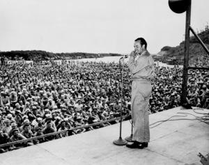 Bob Hope during an OSO tourin New Georgia 1944**I.V. - Image 0173_0617