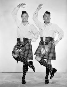 Bob Hope and Bing Crosby circa 1940s ** I.V. - Image 0173_0626