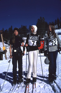 Janet Leigh with daughters Kelly Curtis and Jamie Lee Curtis Skiing at Bear ValleyMarch 1971 © 1978 Gunther - Image 0194_0112