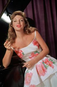 Julie Londoncirca 1956 © 1978 Glenn Embree / MPTV - Image 0199_00030